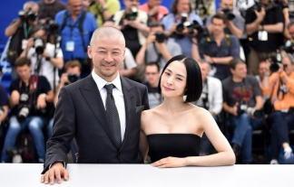 (衝撃)深津絵里(42)カンヌ映画祭で大胆露出wwwwww大胆濡れ場で大反響wwwwww