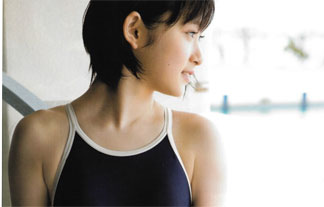 (写真)乃木坂46生駒里奈初写真集で衝撃のビキニ姿に☆おいおい、意外といけるぞ☆