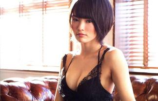 山本彩の「どえろ体」がついにAKB48の頂点に☆写真集ランキングTOPに立つ☆