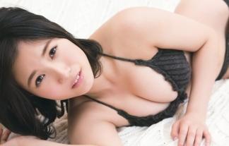 朝長美桜ちゃんがむっちむちのハミ乳晒しまくりでお乳要員と化してるwwwwwwwwww(最新写真)