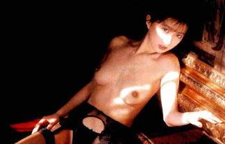 レジェンドアダルトビデオ女優・小林ひとみのフルぬーど写真☆伝説は色あせない☆(※写真29枚)