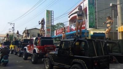 台湾 葬式 ポールダンス パレード 画像04