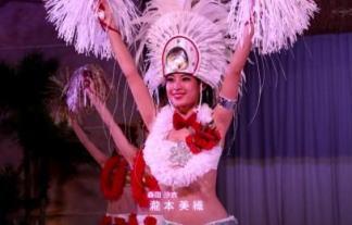 (写真あり)瀧本美織ちゃんのへそ出し悩殺フラダンス☆カワイい踊りで復興支援☆ 写真53枚