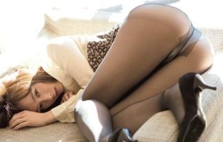 オシリーナ、デキ婚だったwwwwwwあの尻を独り占めしてるダンナは許せんなwwwwwwwwww(秋山莉奈写真22枚)