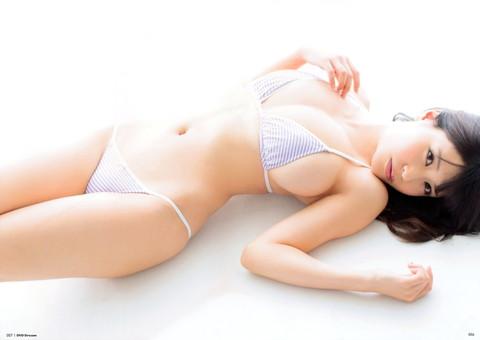 岸明日香 おっぱい エロ画像011