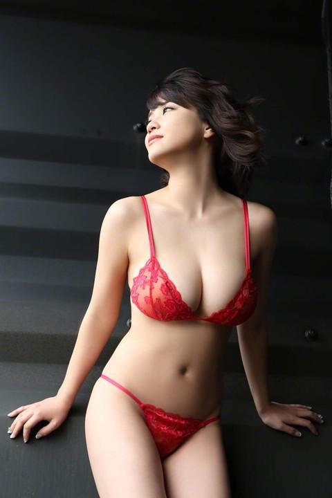 岸明日香 おっぱい エロ画像014