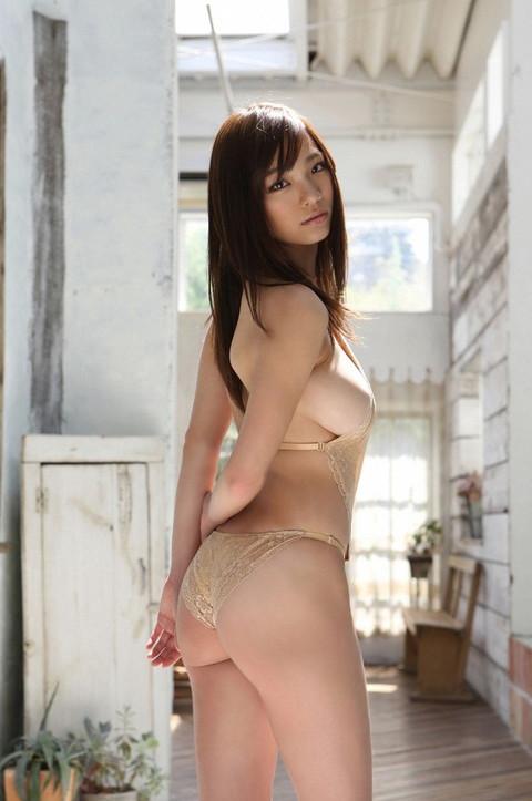 鷹羽澪 爆乳おっぱい エロ画像015