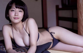 (写真)朝ドラ出演で人気急上昇中☆吉岡里帆のカワイいミズ着姿☆