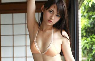 (鈴木咲)お乳は全然ないけどそそられるモデルのミズ着姿wwwwww