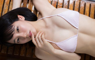 (吉岡里帆)人気急上昇中女優のグラビアが小さいミズ着で以外と過激だった件…