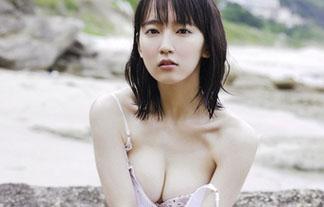 (吉岡里帆)ブレイク中の女優吉岡里帆が大胆なビキニを着ていて即シコなんだが…