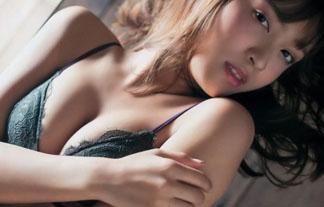 人気モデル松本愛がスタイル抜群のミズ着グラビアを披露☆(写真25枚)