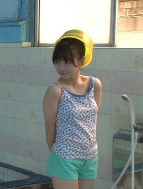 橋本環奈 おっぱい画像09