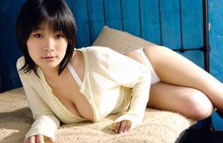 佐藤和沙ってとんでもないお乳してたよな…。Iカップ神乳が凄すぎるwwww