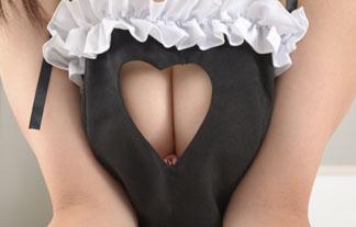 胸元が大きく開いたヘンタイメイドさんが即シコレベルでえろいwwwwwwww(写真29枚)