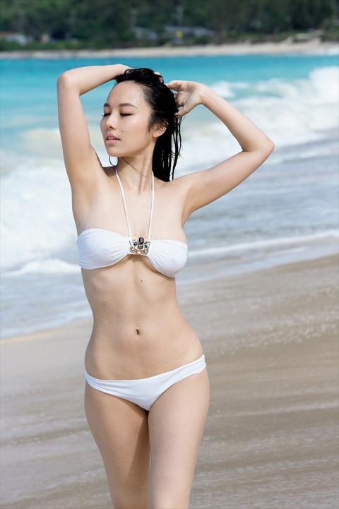 アイドル・女優の白水着グラビア画像02