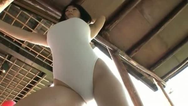 桐山瑠衣 過激グラビア写真68枚☆ロケット乳はもちろんだが尻もえろい☆これはシコれるわ…
