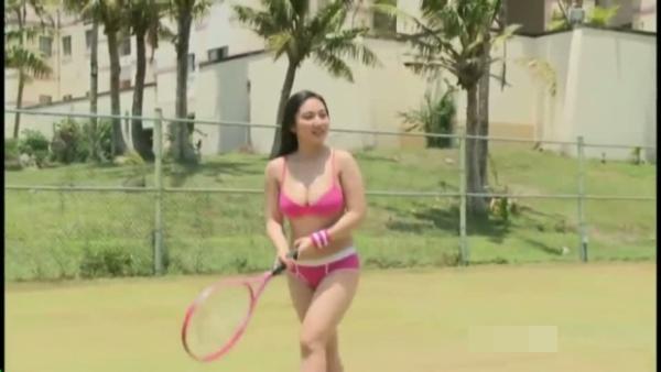 紗綾 テニスウェアグラビア72枚☆ ミズ着姿でお乳ぷるんぷるんテニスwwwwwwww