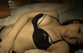 シャワー後ベッドで横たわるぽちゃ女が準備完了って感じでセックス待ちwwwwwwwwww ※亜里沙えろ写真26枚