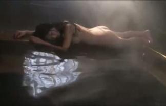 (過激)壇蜜が混浴で裸ムラムラしてるwwwwww手ブラハミ乳生尻晒してるぞwwwwww(えろ写真44枚)