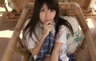 (誉田みに)名前の通りお乳も身長もミニサイズの美10代小娘がセイフクスカートたくし上げ(えろ写真38枚)