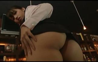 (璃乃)下半身特化型の女バーテンダーwwwwww尻にパラメータ振りすぎwwwwwwwwww(えろ写真25枚)