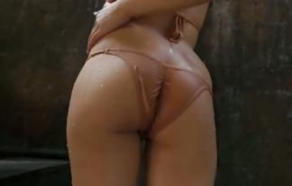 (田中菜々)未成年がワレメ強制ミズ着で強烈に尻割れとるwwwwwwwwww(えろ写真29枚)