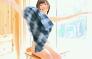 (松島直美)セイフク10代小娘が使いこまれてそうなハミマンスジまんこを見せてちんこ挑発(えろ写真33枚)
