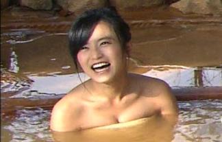 テレビで小島瑠璃子の混浴入浴シーンキター☆「こじるりは細いのにお乳でかい」「こじるり中心に写せ」