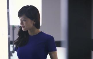 綾瀬はるかの全国CMとメイキング映像で着衣美巨乳が目立つwwwwww(キャプ写真39枚)