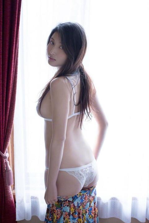 橋本マナミ エロ画像018