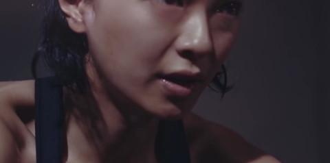 榮倉奈々 胸チラ画像019