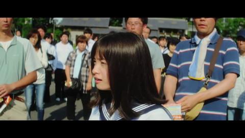 橋本環奈 セーラー服と機関銃 画像019