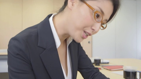 橋本マナミ JAF CM エロキャプ画像024