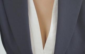 JAFお前もか・・・ミニスカ社内レディー橋本マナミの胸チラと太ももで釣るえろCMでアプリの販促wwwwwwwwww(キャプ写真37枚)
