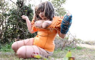(肉団子)七つの大罪ディアンヌが外で淫らな姿に☆お●ぱい丸出しなんですけどwwwwwwww(写真36枚)