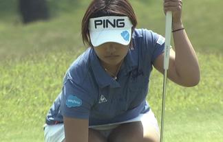女子ゴルフがパンツ丸見え&お乳対決に☆柄までハッキリ映ってる…(写真61枚)