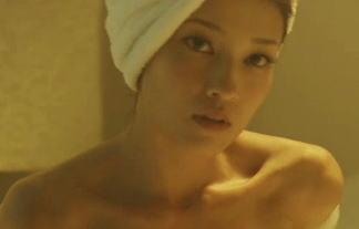 (セミぬーど)黒木メイサの裸入浴でチクビ見えそうwwwwww⇒お乳は小さいけどスタイル抜群だなwwwwww(※写真29枚)