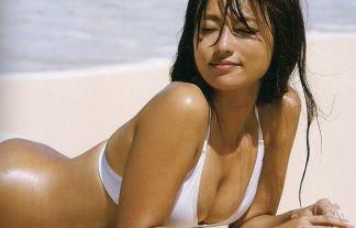 (朗報)深田恭子(33)遂に伝説のハミ尻ビキニ写真集が流出…こんなに写真があったのか… 写真65枚