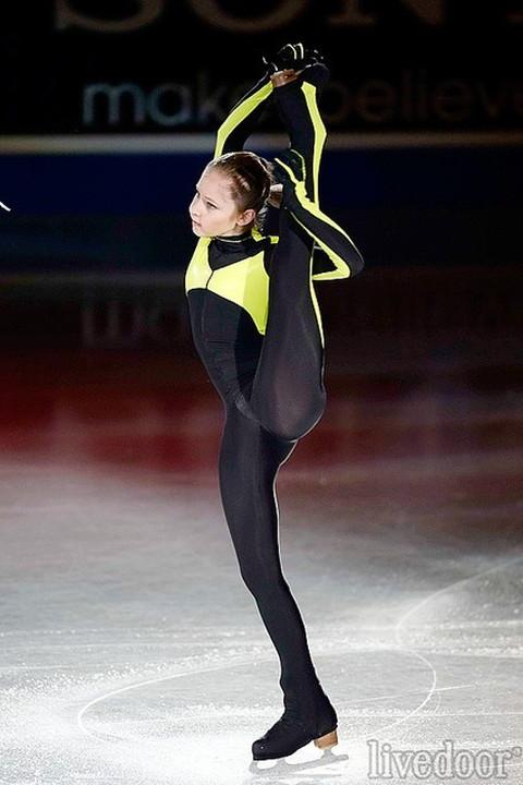 ユリヤ・リプニツカヤ股間・尻・おっぱいエロ画像09
