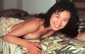 森口博子の裸セミぬーど☆ブラなしでお乳放り出している☆ 写真42枚