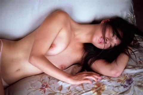 高樹沙耶 全裸 フルヌード エロ画像08