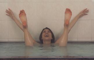 (仰天)米倉涼子、最初から裸入浴☆素っ裸でばんざ~~~~い☆  写真85枚