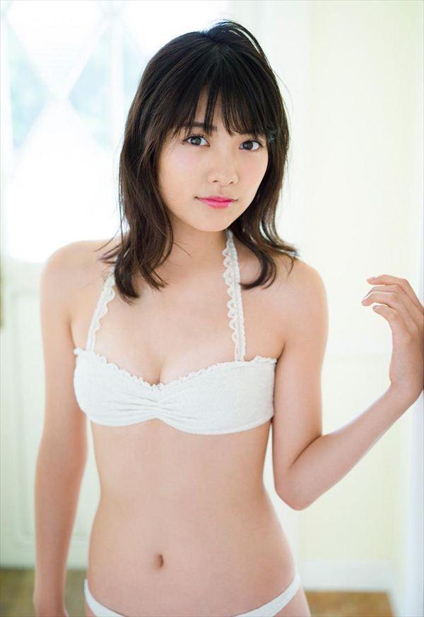 ぷにぷにしてそうな松永有紗の美ボディ
