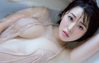 忍野さら最新えろ写真34枚☆ロケット乳お乳からニプレスが透けちゃってる…