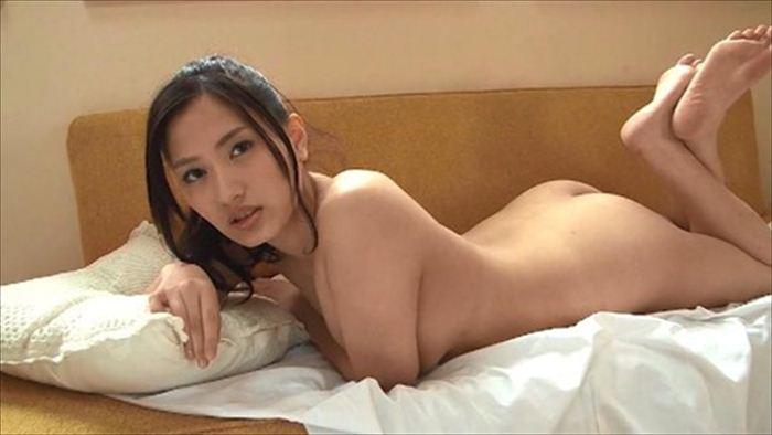 青木佳音 ヌード画像 021