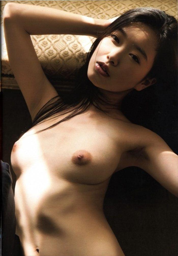 佐々木心音 ヌード画像 006