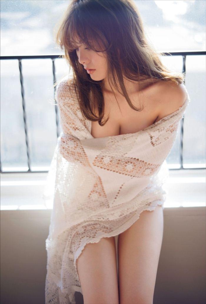 白石麻衣 エロ画像 086