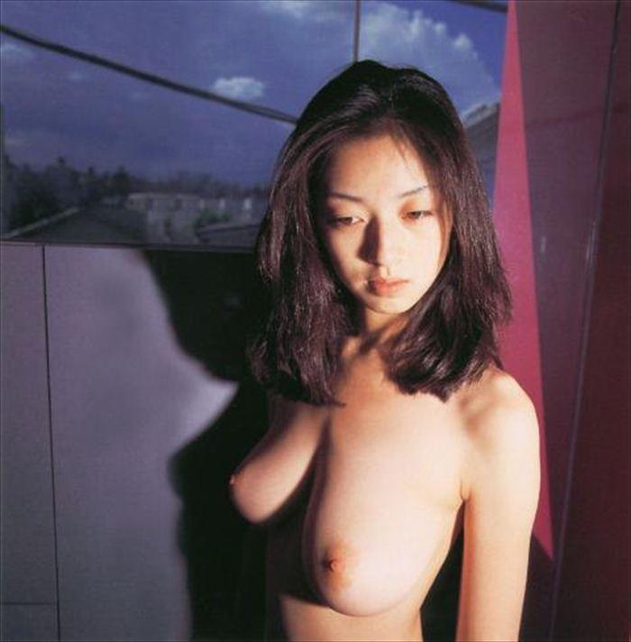 高岡早紀 ヌード画像 032