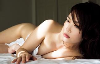阿部桃子セミぬーどえろ写真30枚☆スッキリのモデルレポーターがここまで脱いだ☆